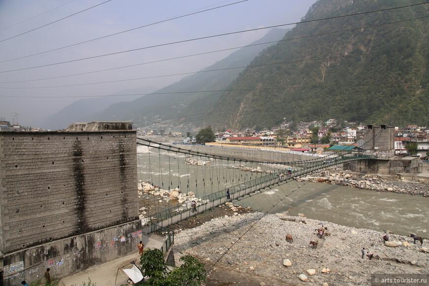Мост через Бхагиратхи.