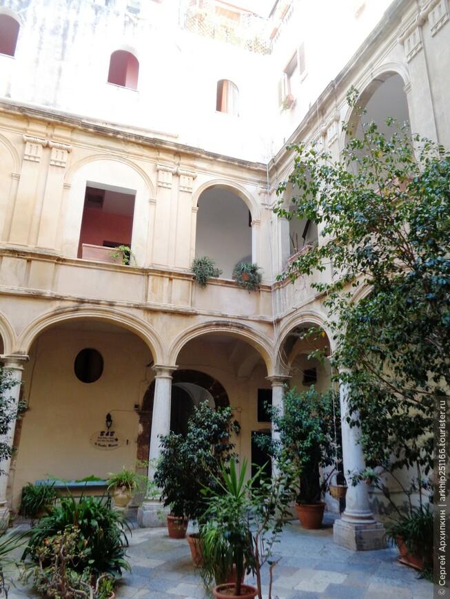 Внутренние дворики палаццо