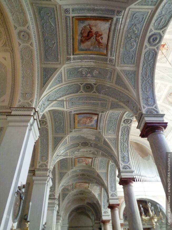 В Кафедральном соборе Трапани