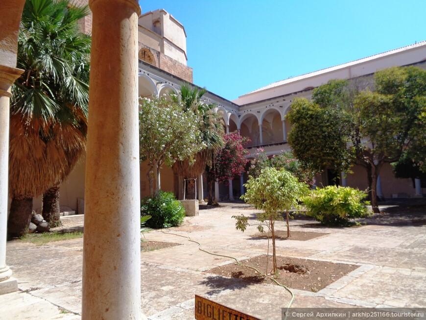 Музей расположен в здании бывшего монастыря