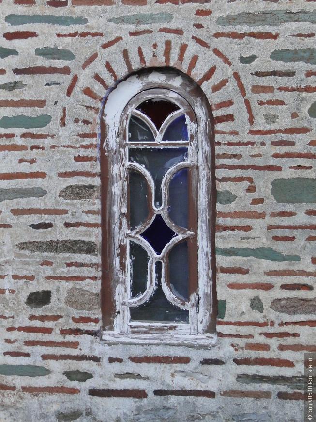 Великая Лавра. Окно в прошлое, или в будущее... Каждый решает для себя сам.