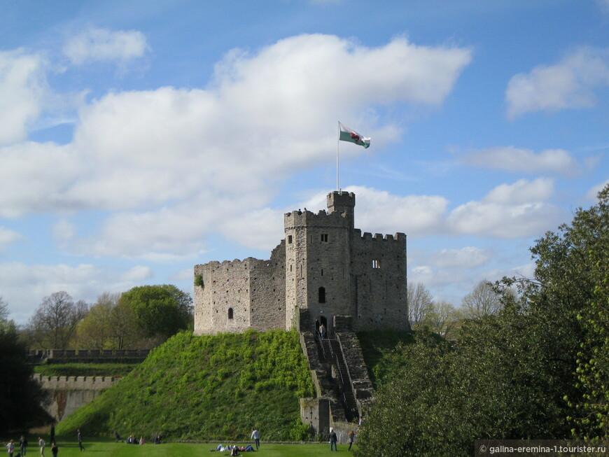 Уэльс, Кардифф, башня рядом с Кардиффским замком