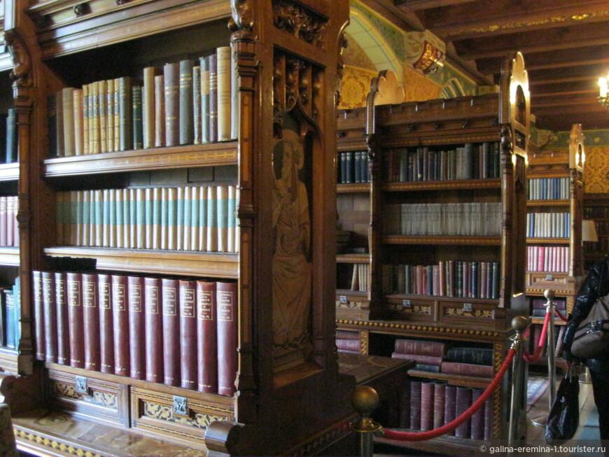 Уэльс, Кардифф, библиотека в Кардиффском замке