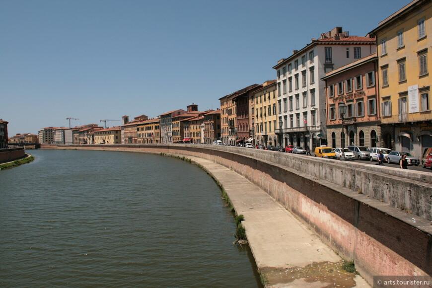 Набережная реки Арно