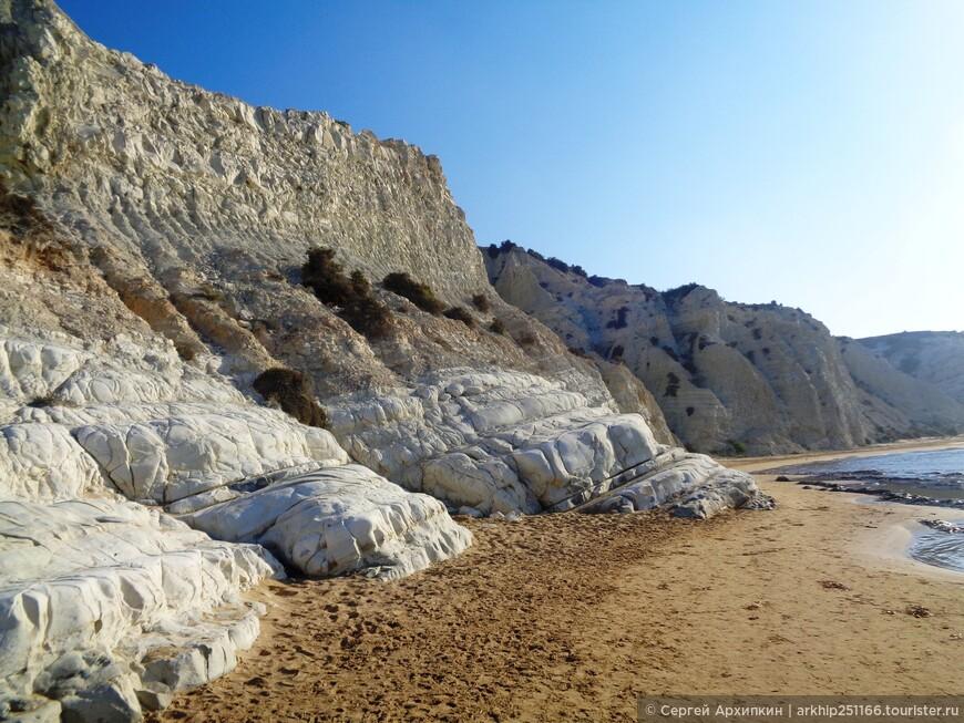 Меловые скалы возле Реалмонте