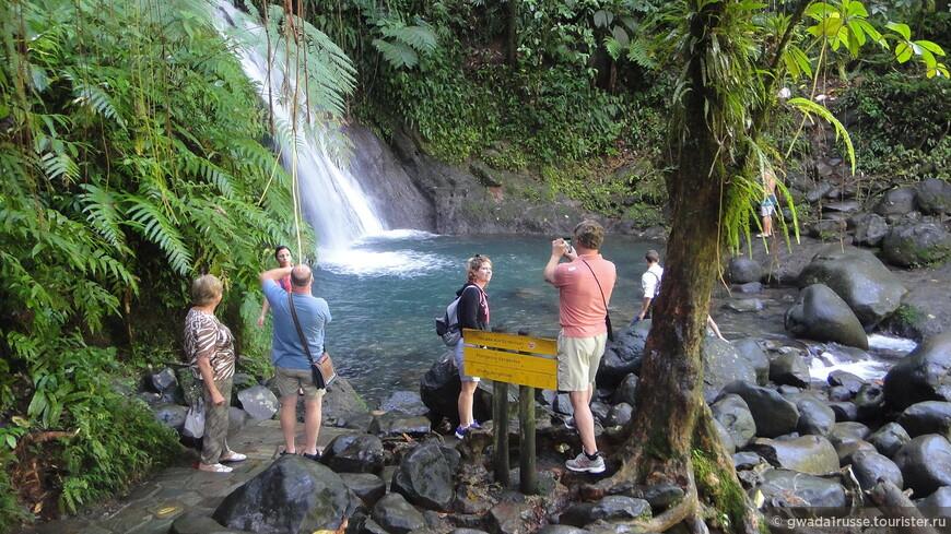 """Название водопада Aux Écrevisses переводится как """"креветочный"""":, т.к. в нем водятся речные креветки и раки."""