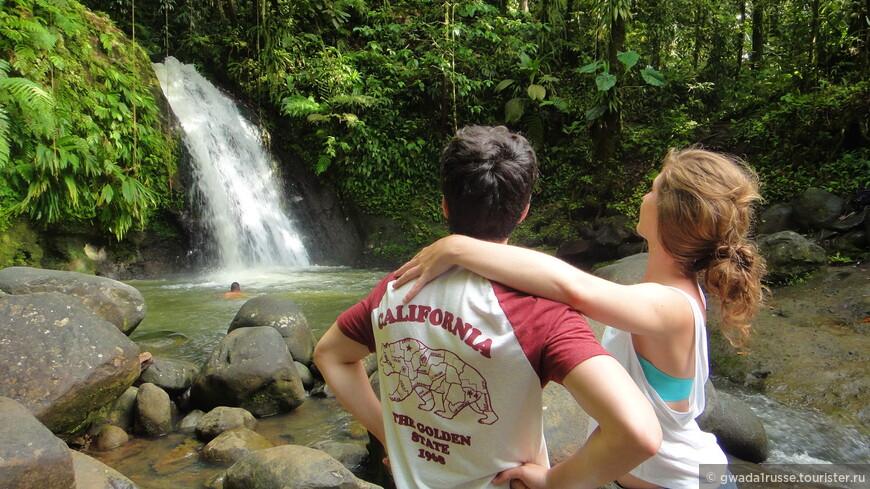 Водопад Aux écrevisses - это также место для влюбленных.