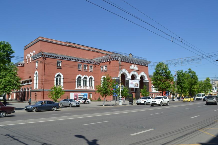 здание  на Пр.Революции