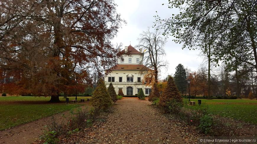 Летний дворец в Замковом парке