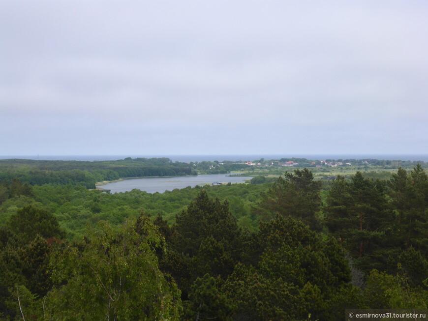 Поселок Рыбачий и озеро Чайка с высоты Мюллера