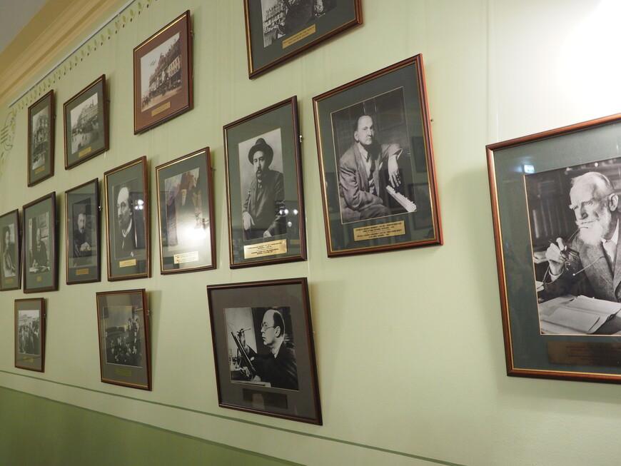 Фотографии гостей Метрополя в дореволюционные и послереволюционные времена.