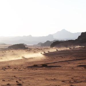 Страна чудес. Пустыня и русские