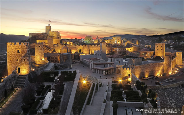 georgia-akhaltsikhe-rabati-castle-sunset.jpg