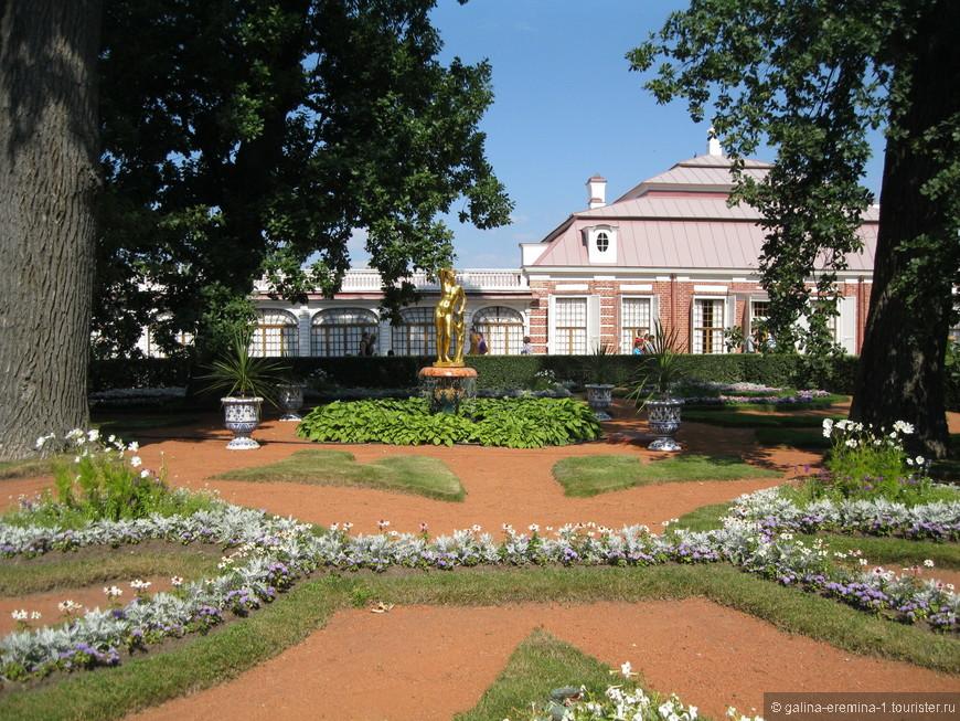 любимый дворец царя Петра I - Монплезир (мое удовольствие)