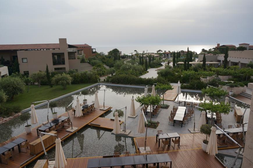 Территория отеля The Romanos - Costa Navarino, A Luxury Collection Resort 5*