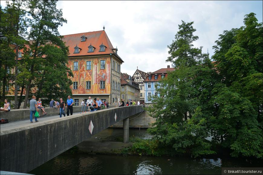Вид на Нижний мост и Старую ратушу.
