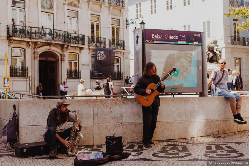 Уличные музыканты здесь встречаются часто. Душевные песни и расслабленная атмосфера