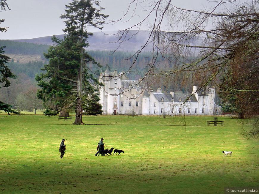 Ballindaloch Castle.jpg