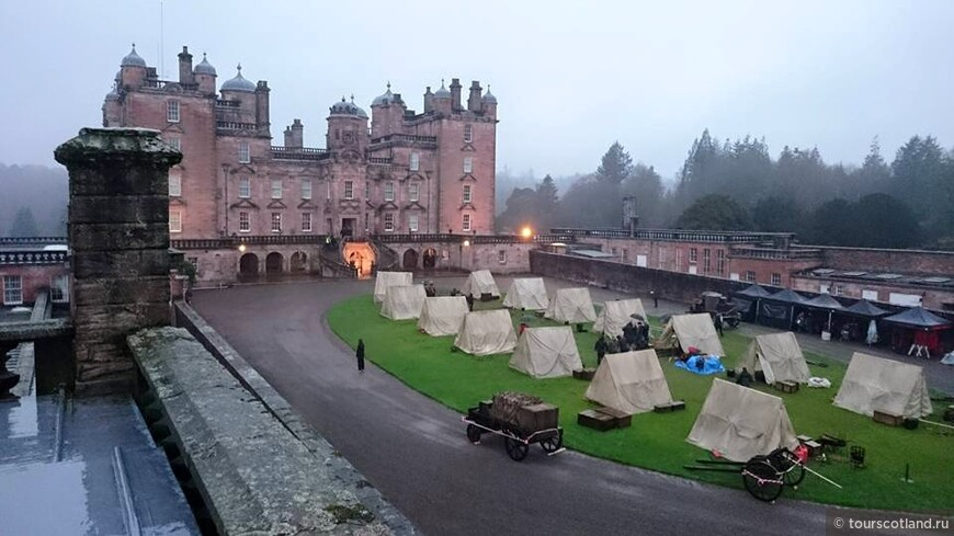 Drumlanrig castle today, filming for the next series of outlander.SCott McMillan.jpg