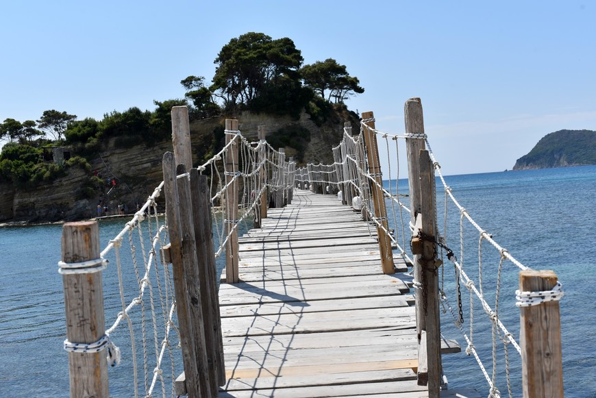 Мост, соединяющий Agios Sostis (Агиос Состис ) и остров Zakynthos (Закинтос).