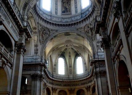 DSC06974 Париж. В церкви Святого Павла и Святого Людовика.JPG