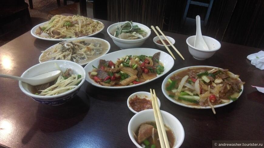 Этот тайваньский ресторан подает вьетнамские блюда. Вьетнамцы в большом количестве проживают на Формозе.