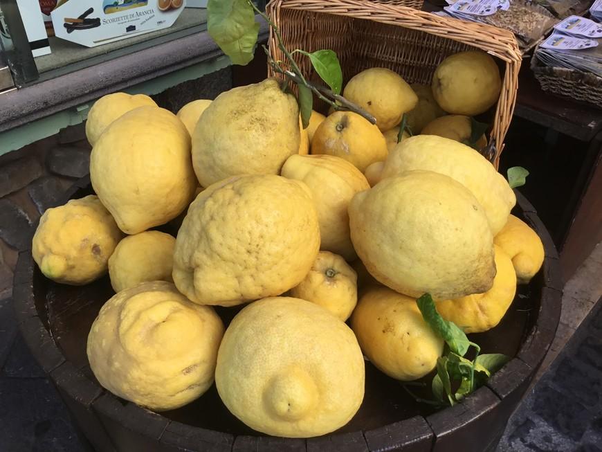 Огромные лимоны