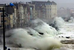 Ураган в Европе унес десятки жизней