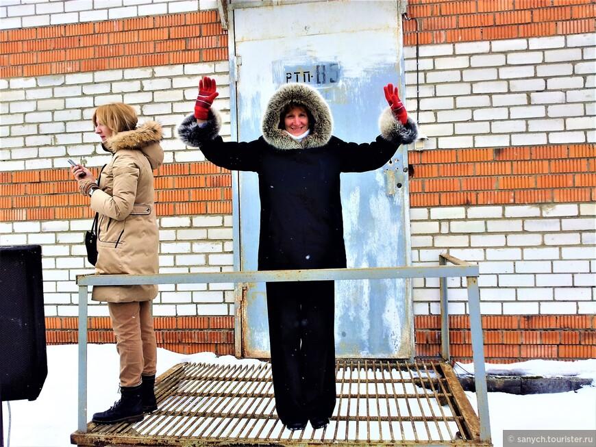 """Перед сжиганием Масленицы можно попозировать на """"смотровой площадке""""."""