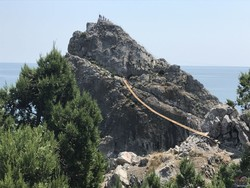 Самый длинный в Крыму подвесной мост открылся рядом с Ялтой
