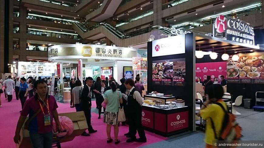 Все главные отельные сети в сборе, предлагают свои отельные кулинарные изыски. Тайбэй