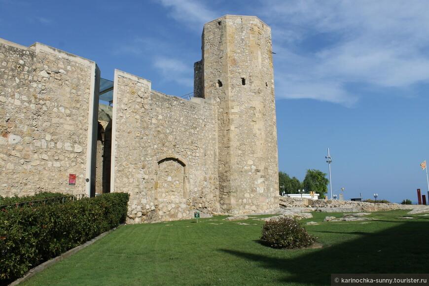 В Таррагоне на каждом шагу древние развалины...