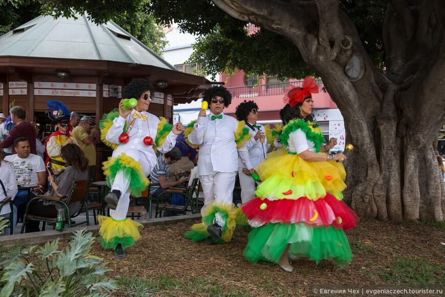 На площади Испании уже звучат латиноамериканские мелодии
