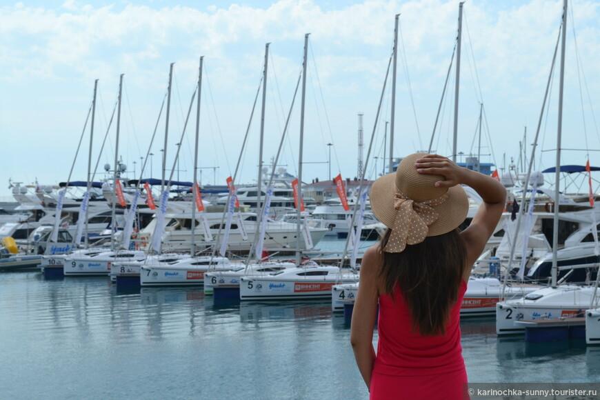 Проходя мимо порта, захотелось сделать фото в стиле а-ля Франсе))