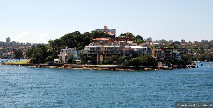 Эти районы, стоящие прямо напротив оперного театра считаются самыми дорогими и элитными в Сиднее