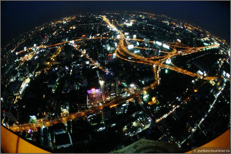 Глобус ночного Бангкока :)
