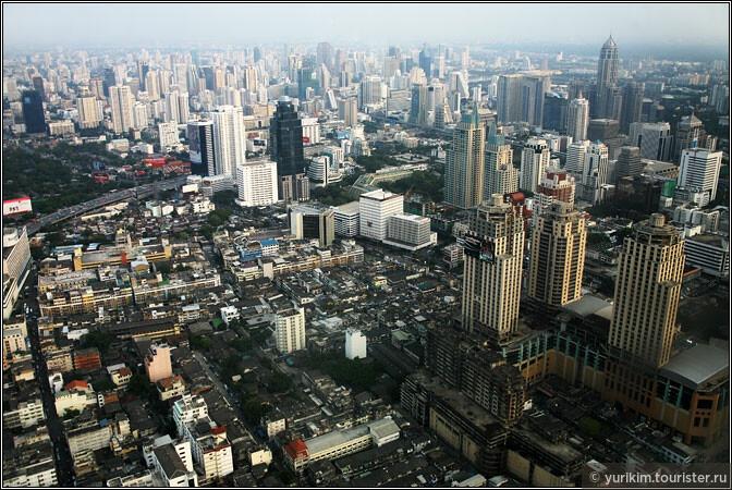 Самая высокая точка в Бангкоке - небоскреб Байок Скай.