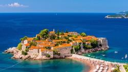 Посетить Свети Стефан в Черногории можно будет за 20 евро