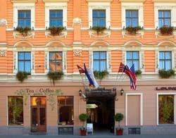 Вооруженные люди захватили гостиницу в Риге