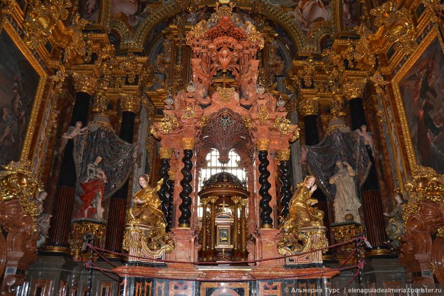 Sanctasanctórum   - Святая святых монастыря Картуха в Гранаде. Испанское Баррокко.