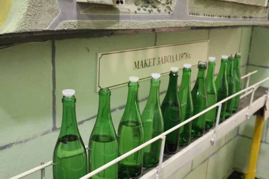 В музее можно увидеть как начинается виноделие, начиная от того, как правильно посадить и вырастить виноград, до того как разливают уже готовое шампанское.