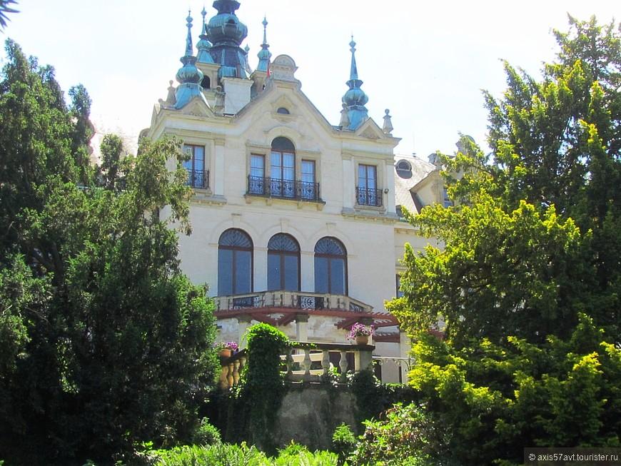 Státní zámek Velké Březno (Велке Брежно). Вот в этот замок нам очень хотелось попасть, но не получилось. Предложили ждать еще людей для экскурсии.
