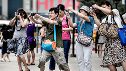 Число туристов из КНР в Петербурге увеличилось на 67%, туроператоры не рады