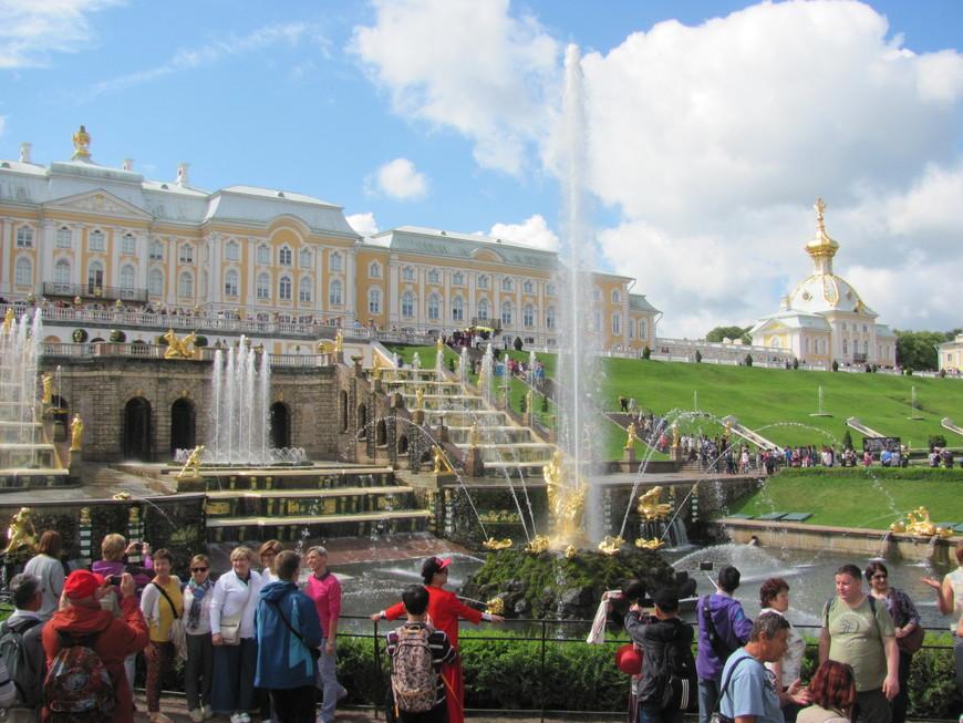 3. Петергоф - столица фонтанов.