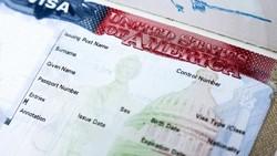В США советуют россиянам получать визы в других странах