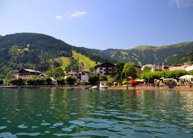 Озеро Целлер – это пресноводное озеро в Австрийских Альпах.  Его название получил, пожалуй, самый популярный курорт региона – Цель-ам-Зее, который находится в небольшой дельте реки, впадающей в озеро.