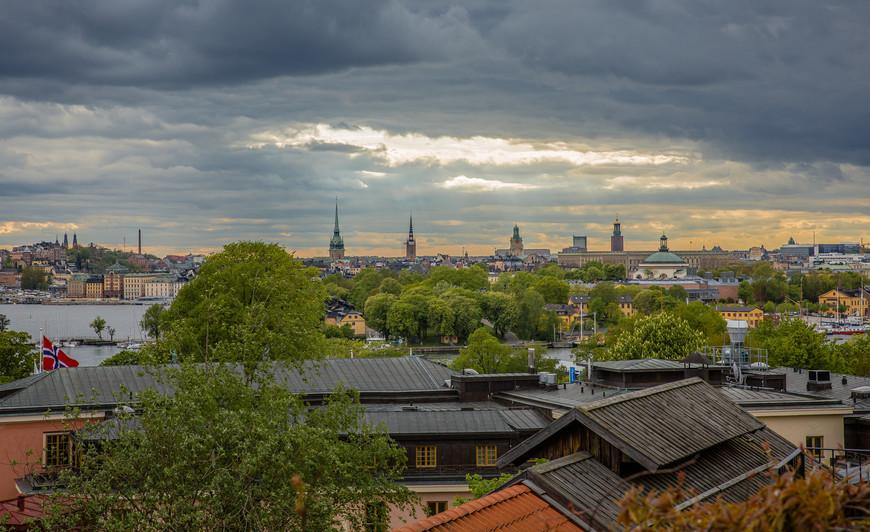 Стокгольмское небо. Т.к. погода крайне переменчивая, то картинки одного дня могут быть очень разноплановые. Скансен также неплохая смотровая площадка на центр города.