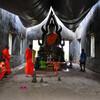 Заброшенный, но не забытый храм монов