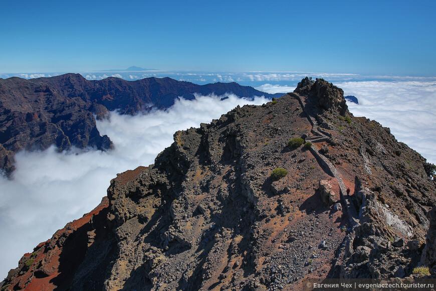 А мы достигли самой высокой точки острова, Roque de los Muchachos.