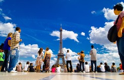 Турпоток из РФ во Францию вырос на 30%